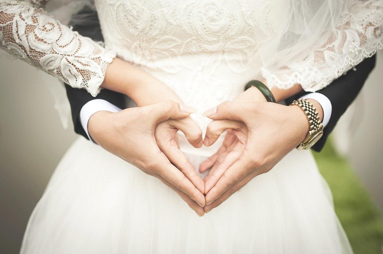 お墓参りで結婚が決まった!? そんな不思議な話し